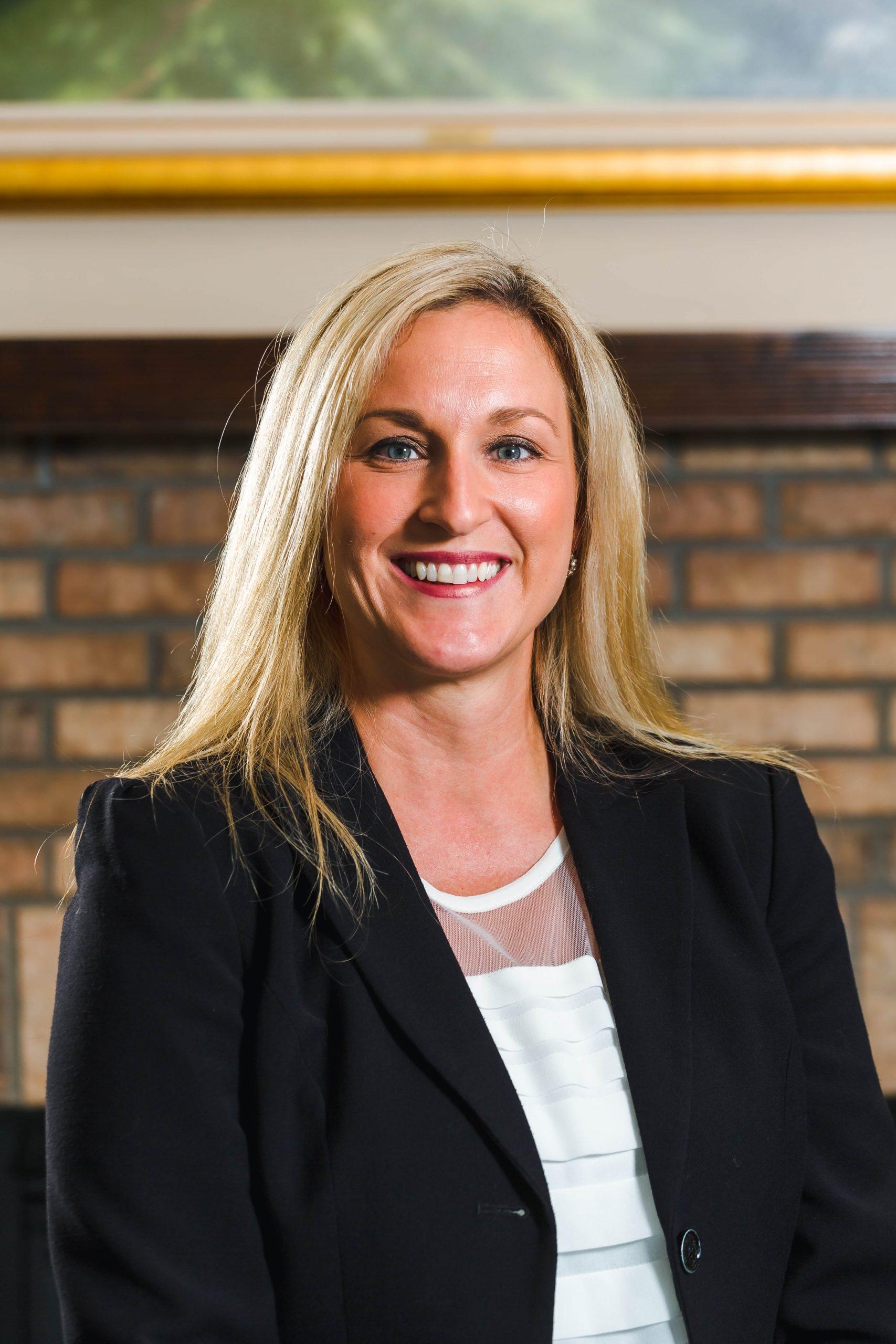 Sarah Simkins : Managing Director